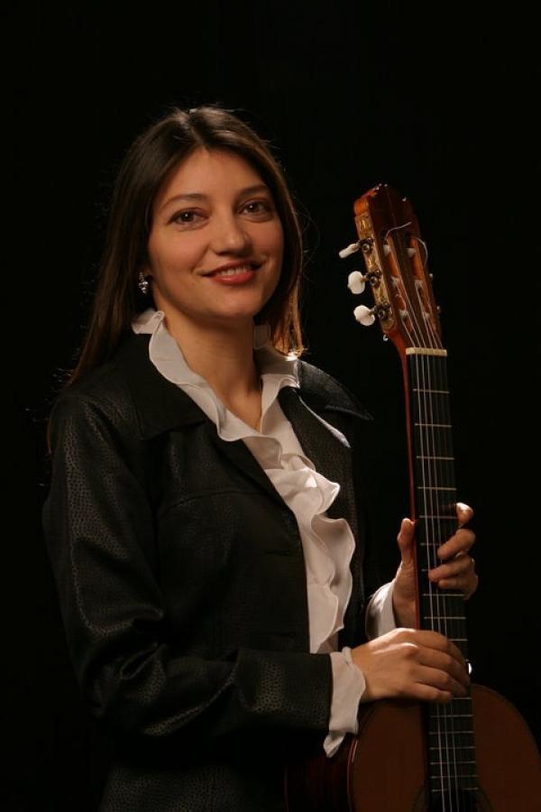Irene Gomez in Canadian radio